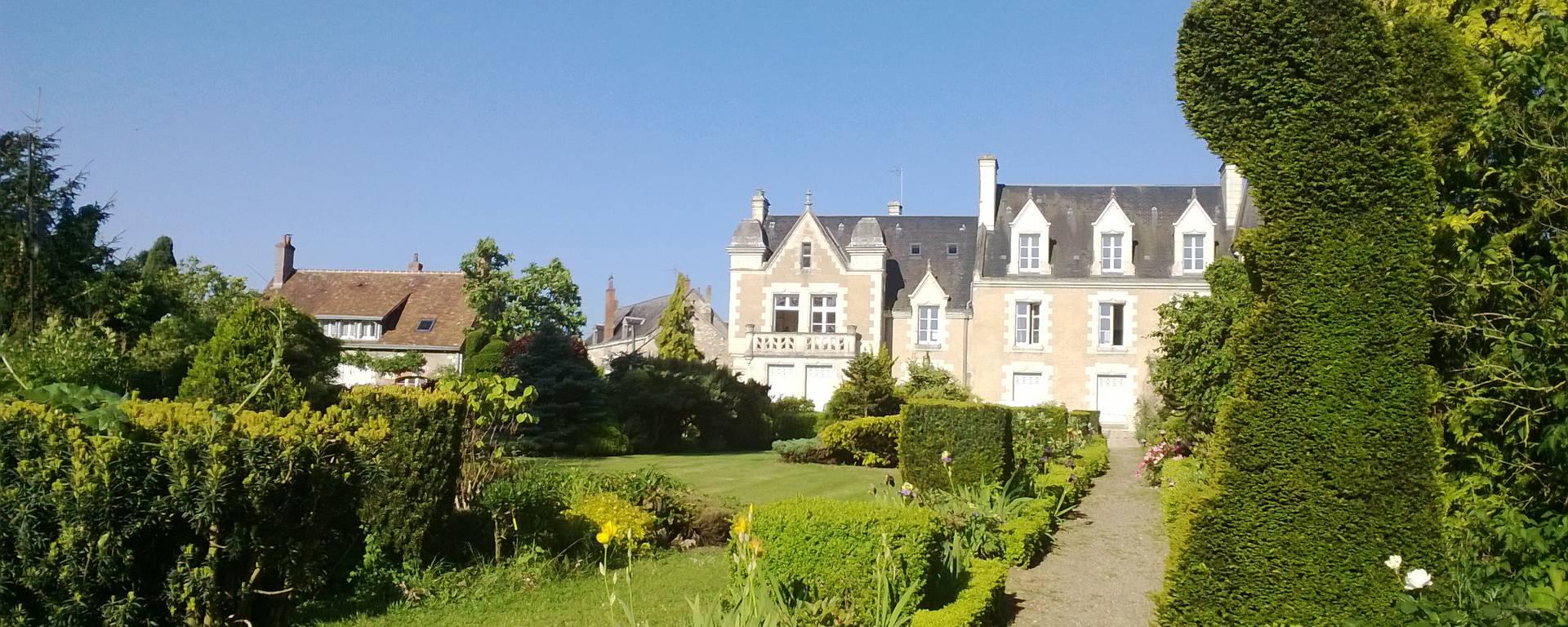 Parque del priorato de Orchaise cerca de Blois