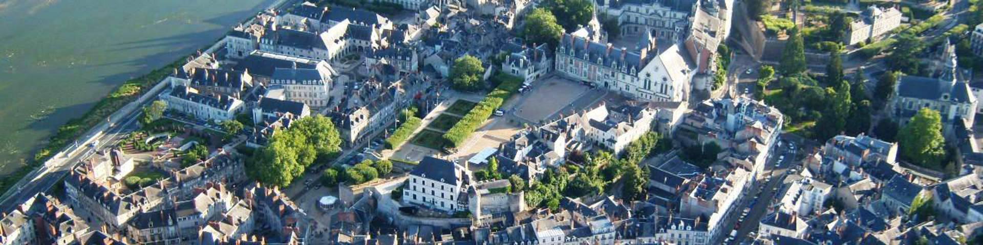 La ciudad de Blois y su Castillo Real desde el cielo. © OTBC