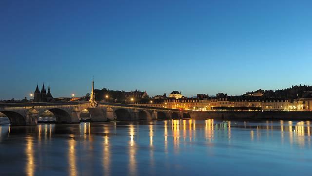 Blois de noche © L. de Serres
