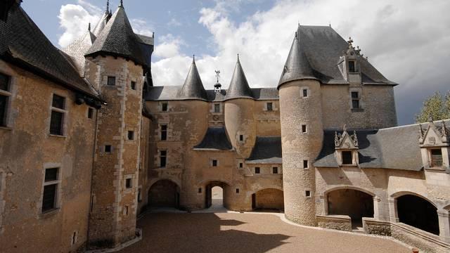 El castillo de Fougères-sur-Bièvre © P. Berthé - CMN-Paris