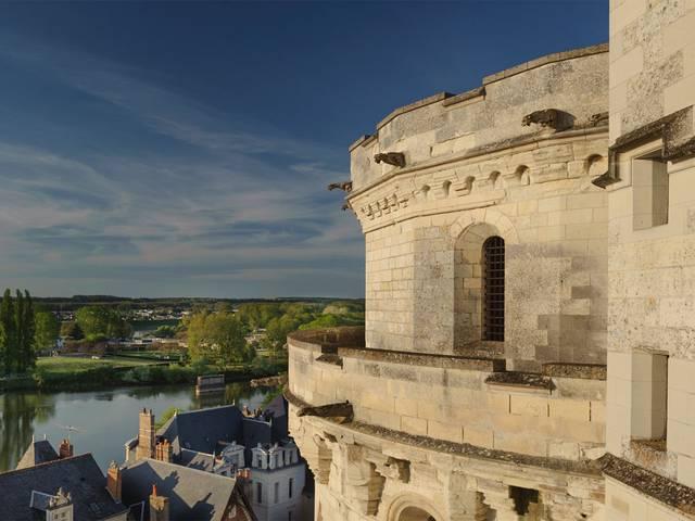 El Castillo de Amboise domina el Loira. © OTBC