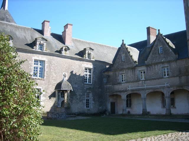 La cour du château de Talcy. © OTBC