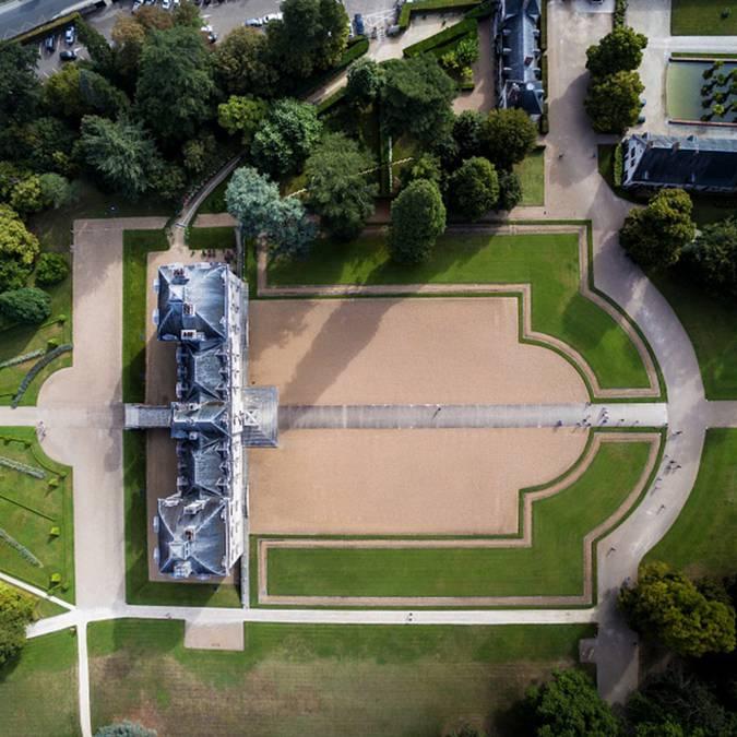 El dominio del Castillo de Cheverny visto desde el cielo