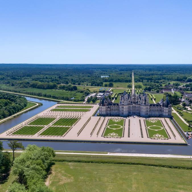 Castillo de Chambord y sus jardines © Drone Contrast